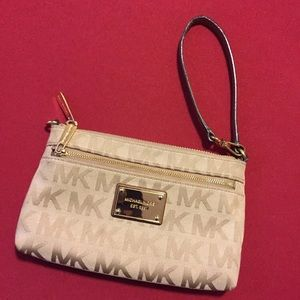 Michael Kors Large Wristlet purse